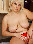 Gorgeous 50 yr old Czech granny shows away her kitchen skills nude