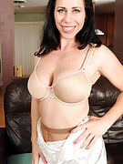 Busty and additionally brunette Kira presents in and additionally off sensuous tight nylons