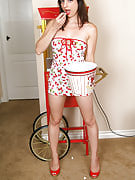 Brunette MILF Whitney wants in order to pop much more than corn as part of this one