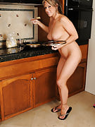 Carolyn Reese from 30 plus Ladies strips and also shows away her incredible body