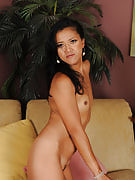 refined and exotic Tia Shelby concerts off her34 year old exotic crotch