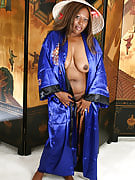 Ebony MILF From 30 Plus Ladies Takes On Asian Dres...