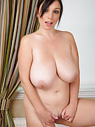 Busty and also mature Michelle B will get romantic along with this girl pilates ball