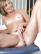 Small breasted Maya D after 30 plus Ladies spreads her thighs at just the gym
