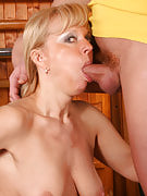 Bushy beaver MILF gets it on along with her physical fitness instuctor